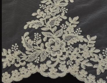 Lace wedding 2386